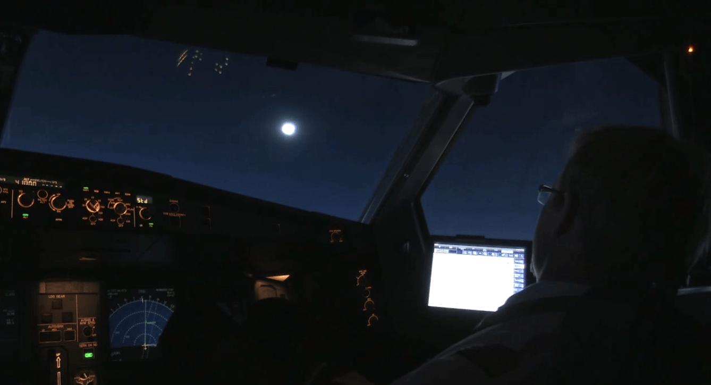 Lufthansa-A330-300-eclipsa-soare