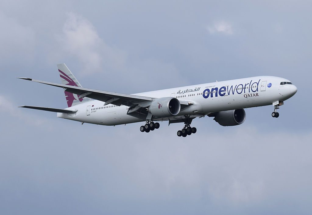 Qatar_Airways_Boeing_777