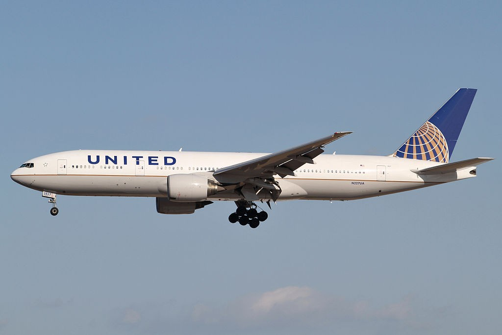 United_Airlines_B777-200ER(N227UA)