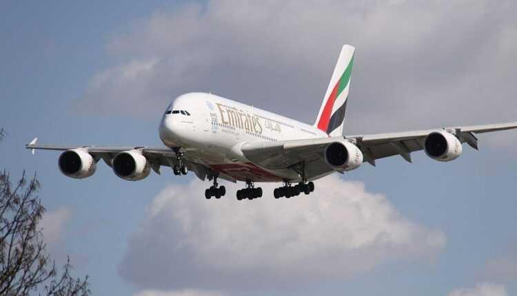 (Video) Noile destinaţii Emirates onorate cu aeronave Airbus A380, începând cu 2015