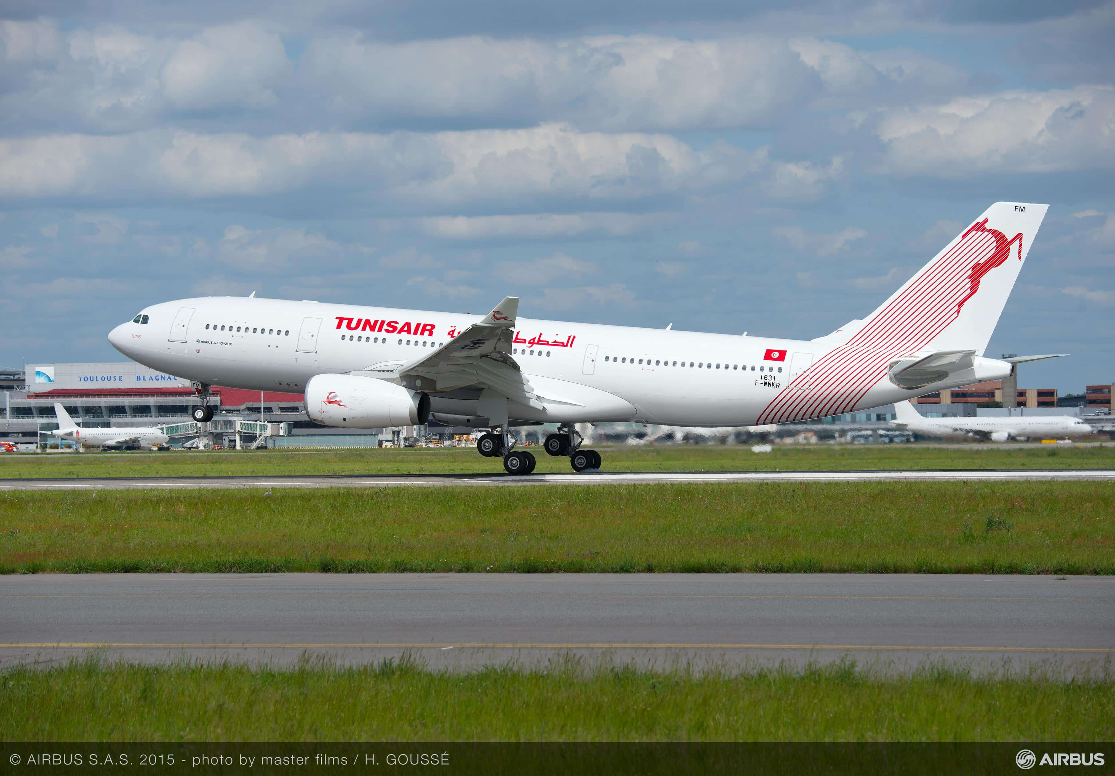 A330-200_TUNISAIR_TAKE_OFF