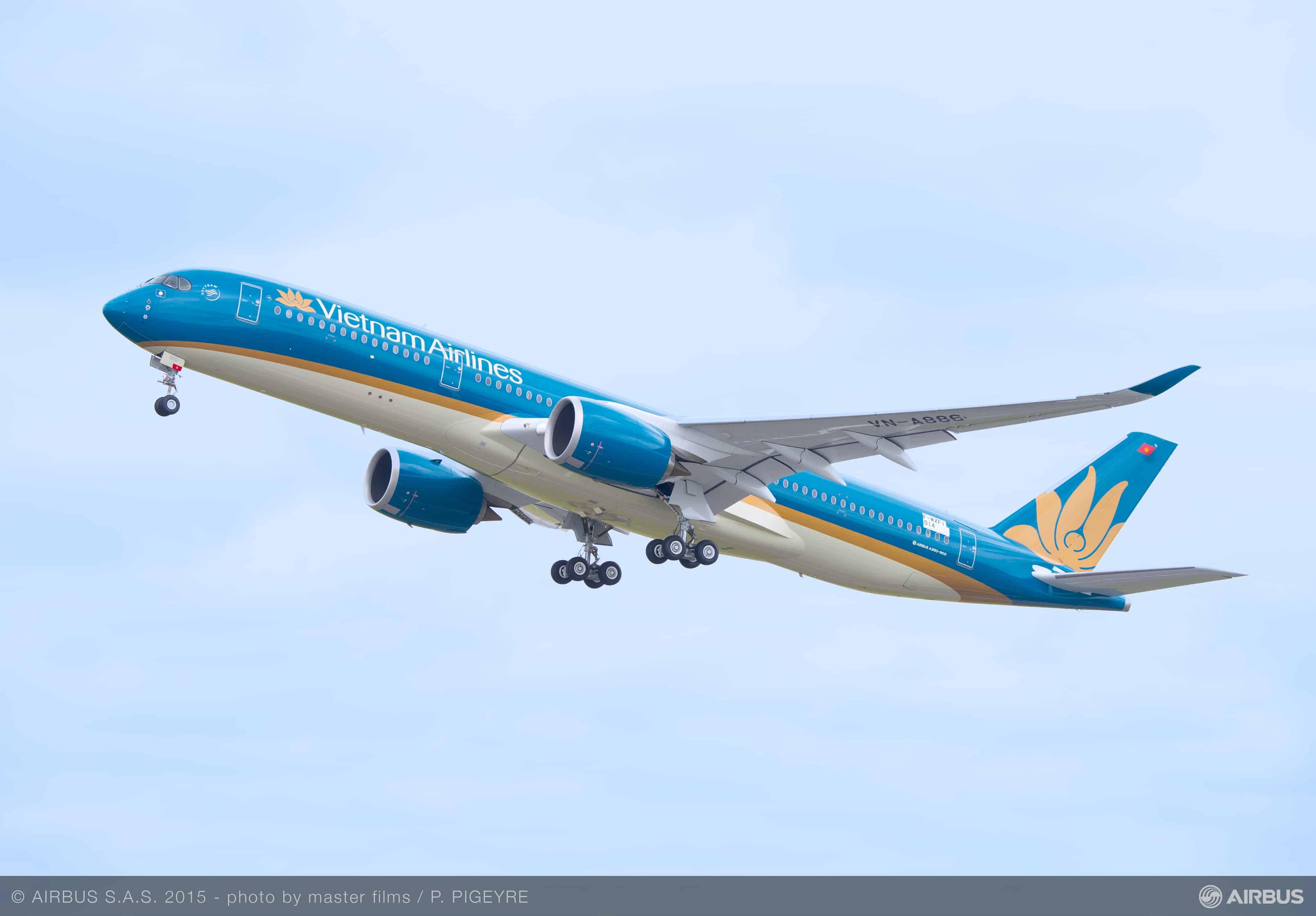 A350-900_Vietnam_Airlines_First_flight