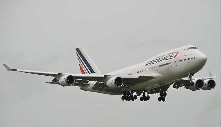 Air france grabeste pensionarea aeronavelor boeing 747 400 for Interieur 747 air france