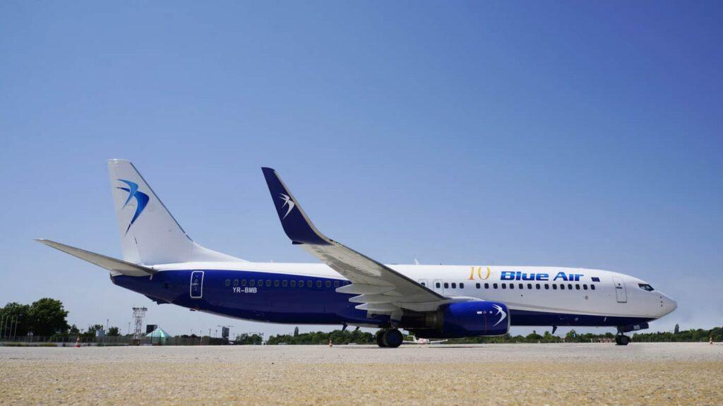 Blue Air - Boeing 737-800