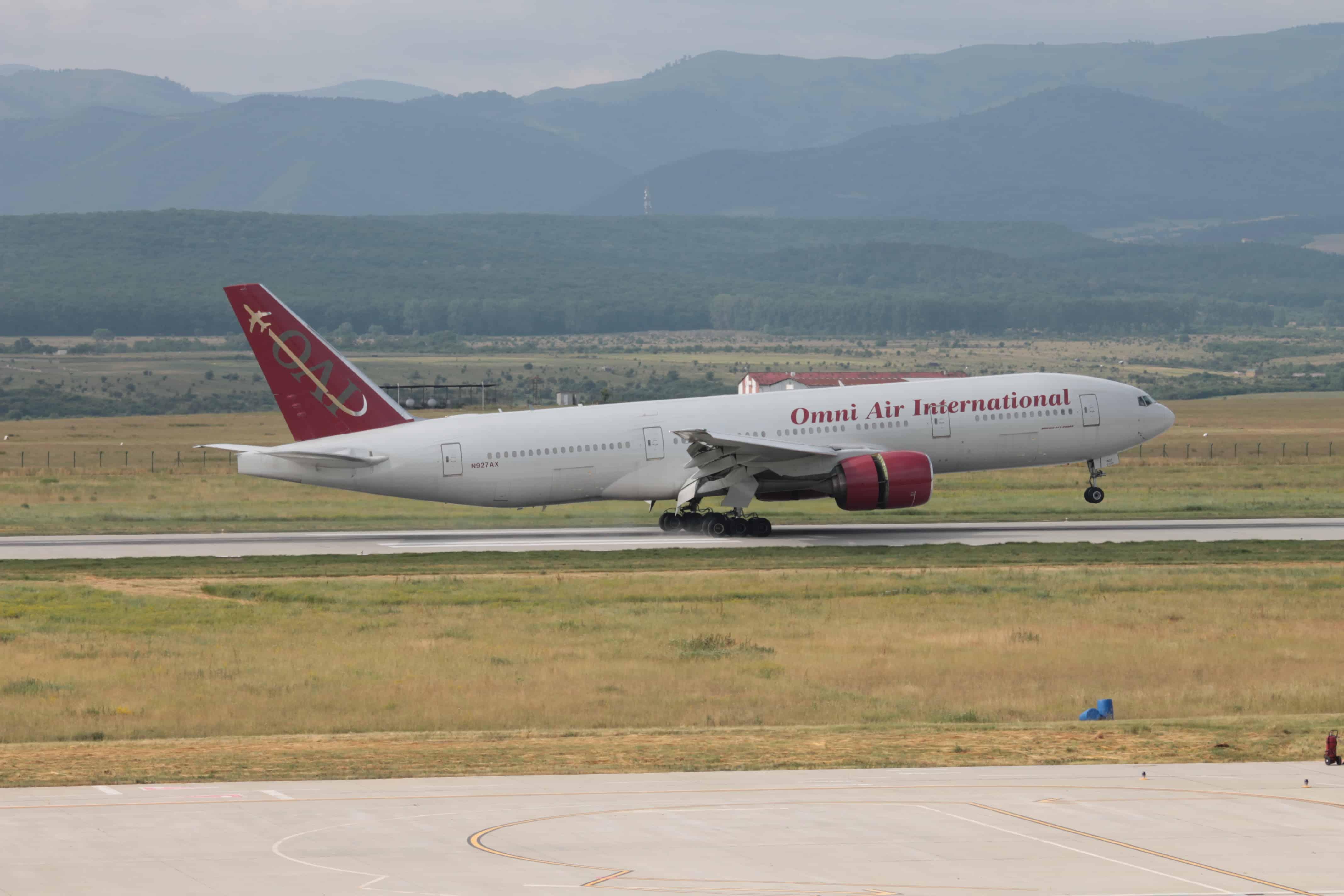 Boeing-777-200ER-SIBIU