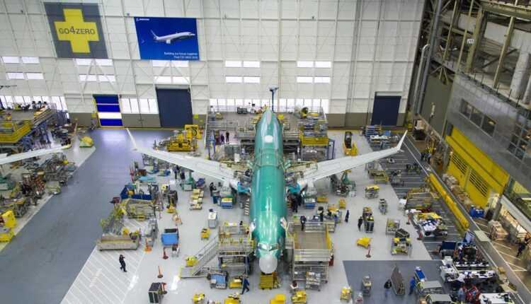 În 2015, Boeing a livrat 762 de avioane şi a primit comenzi pentru 768