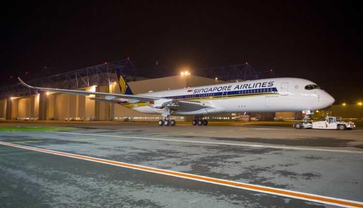 Primul Airbus A350 XWB Singapore Airlines a fost vopsit