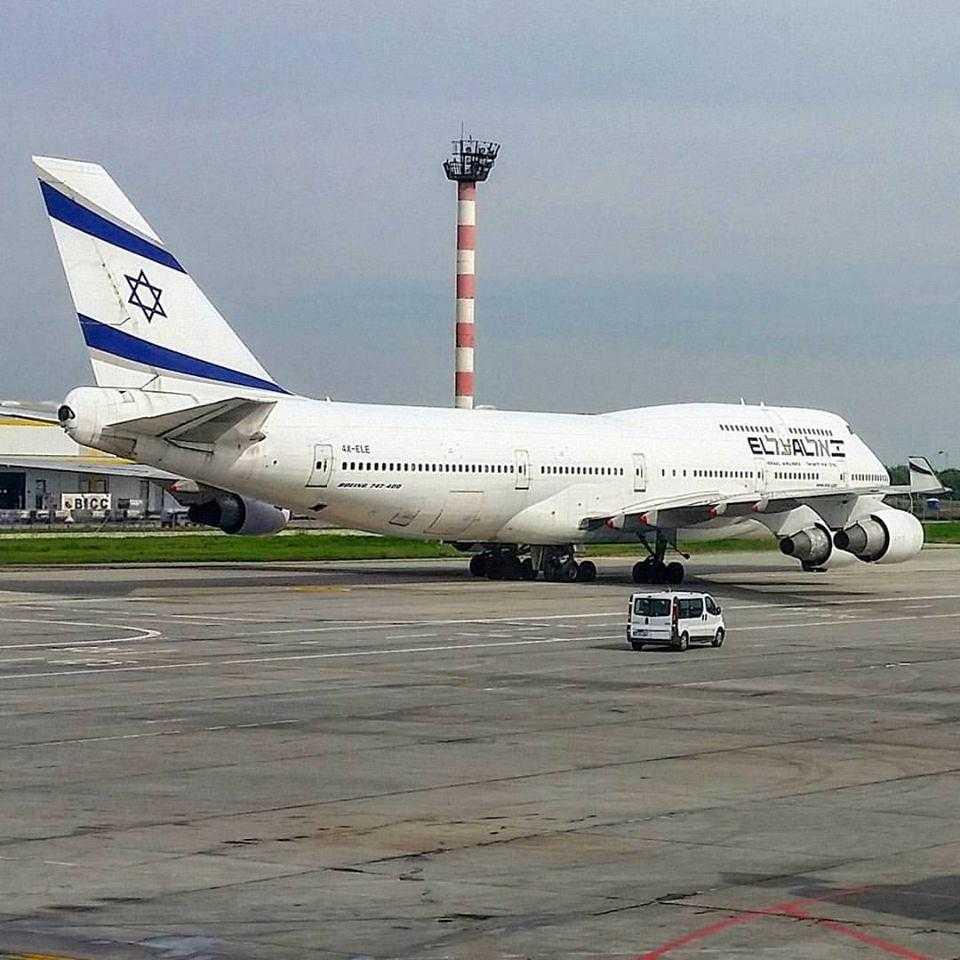 Boeing 747-400-EL-AL-Bucarest