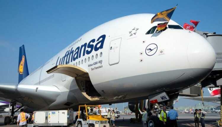Lufthansa zboară cu Airbus A380 la Hong Kong şi cu Boeing 747-8i la Johannesburg
