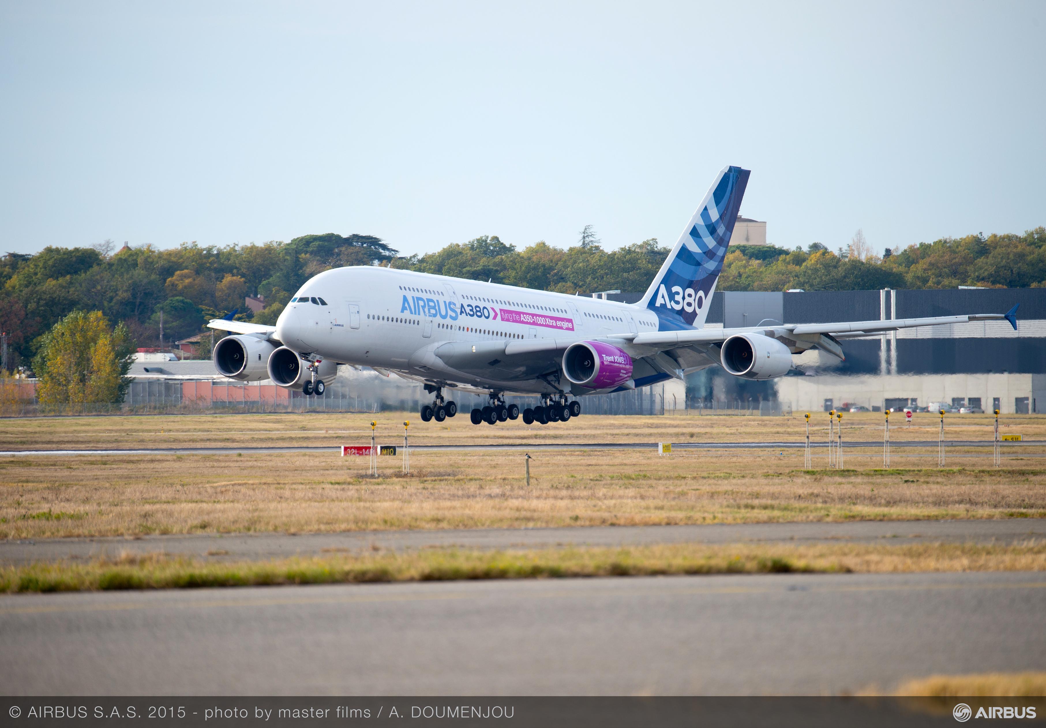 A350-1000_FTB_FIRST_FLIGHT-LANDING-002