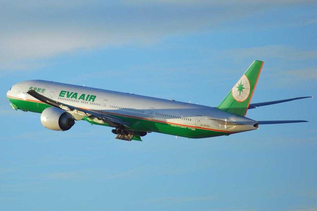 Boeing 777-Eva-Air-livery-old