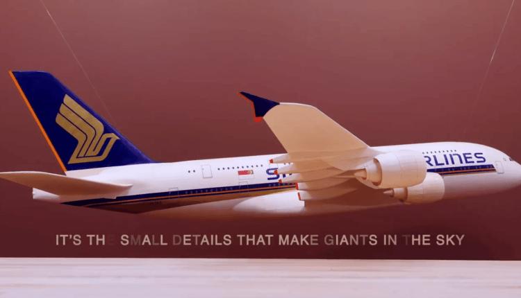 (Video) Airbus A380 Singapore Airlines construit din hârtie cartonată