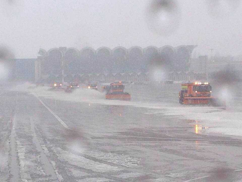 deszapezire aeroport otopeni