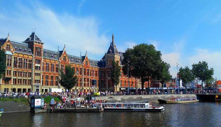 [Oferta KLM] Bucureşti – Amsterdam de la 135 EURO (zboruri dus-întors)