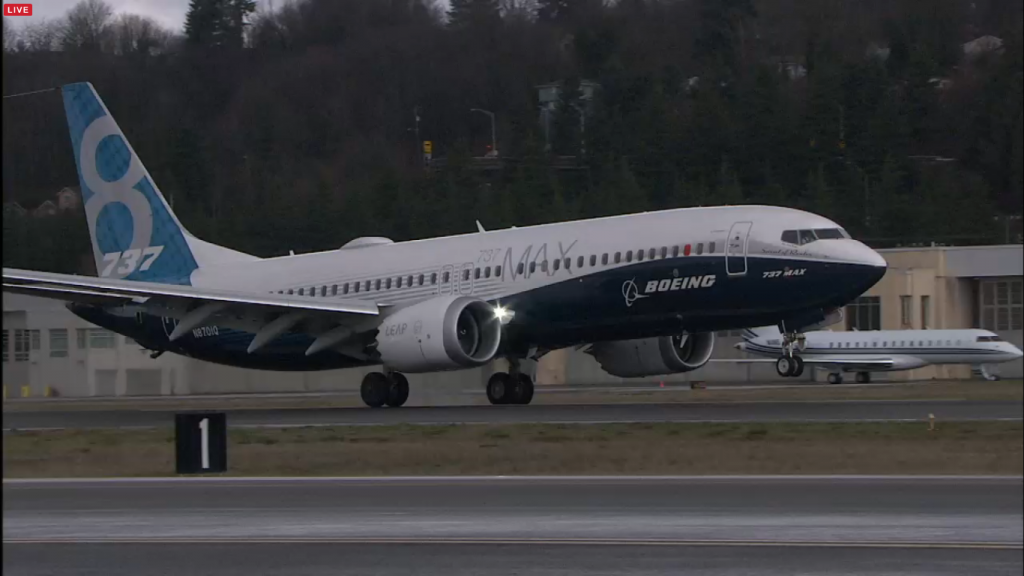 B737MAX-in-zbor-landing-4
