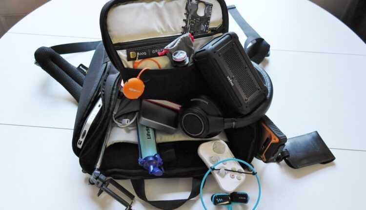 5 gadgeturi din bagajul meu de traveler