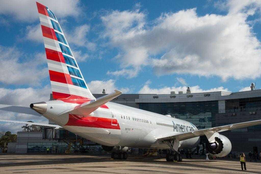 Boeing-787-8-American-Airlines-N813AN-1