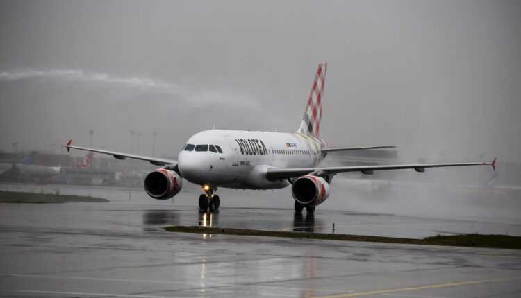 Primul Airbus A319 pentru Volotea (foto)