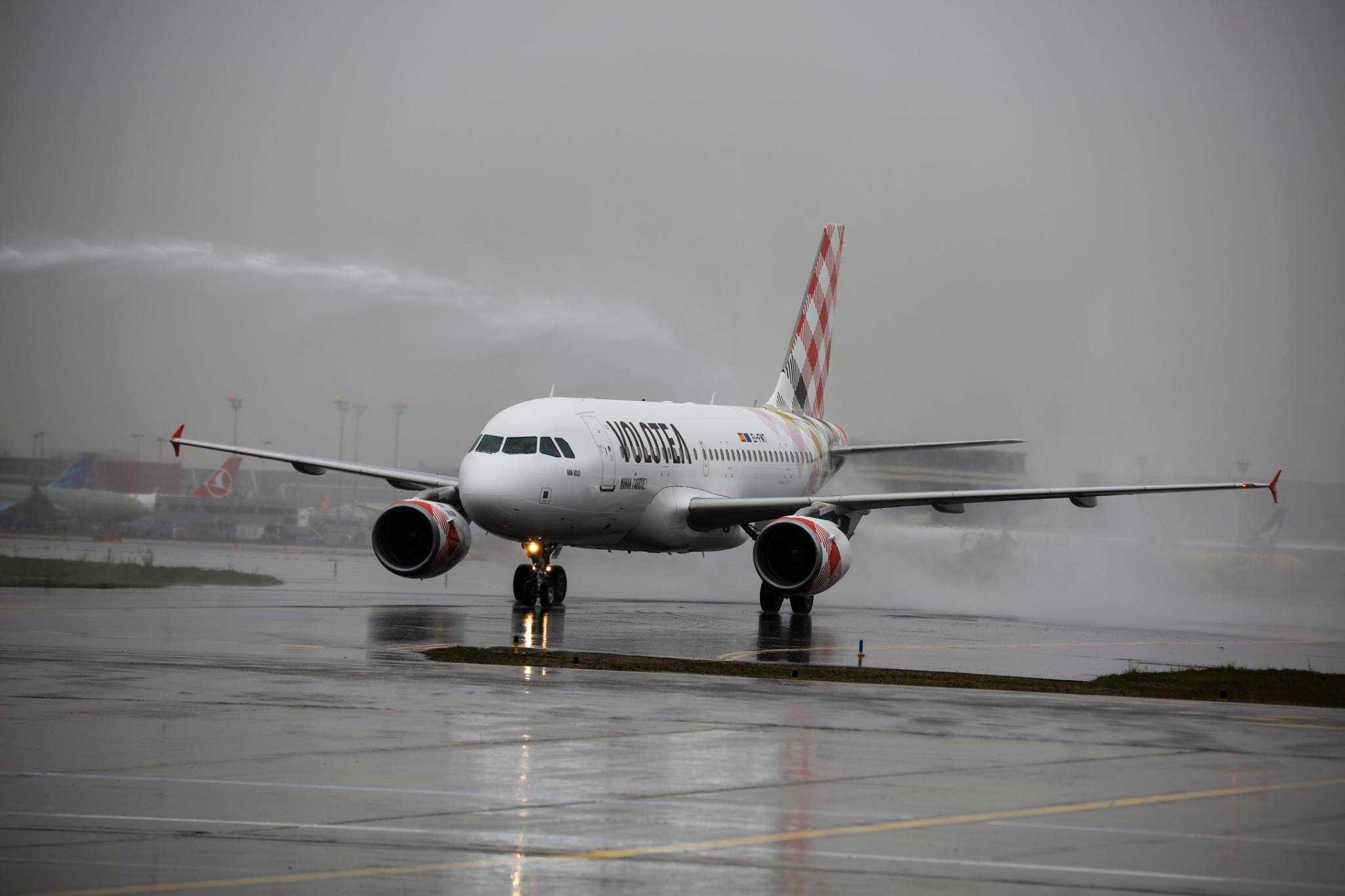Airbus-A319-Volotea-7-1.jpg