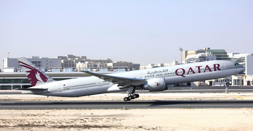 Boeing 777-300ER-Qatar Airways