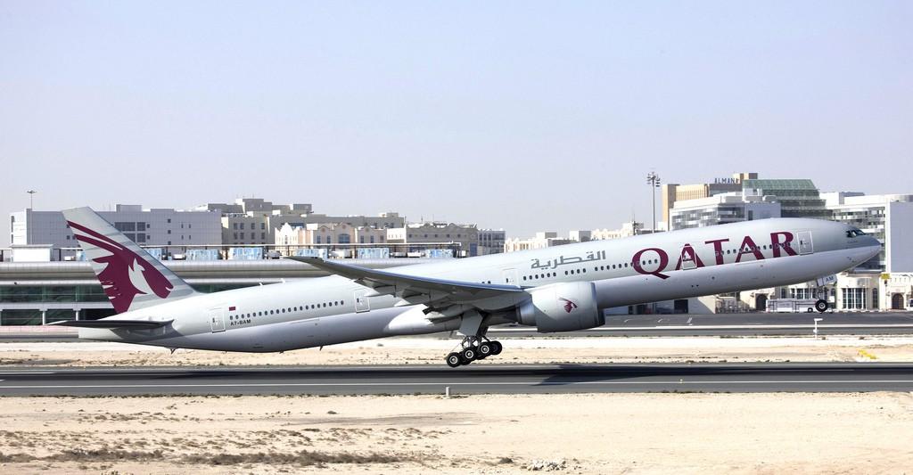 Boeing-777-300ER-Qatar-Airways