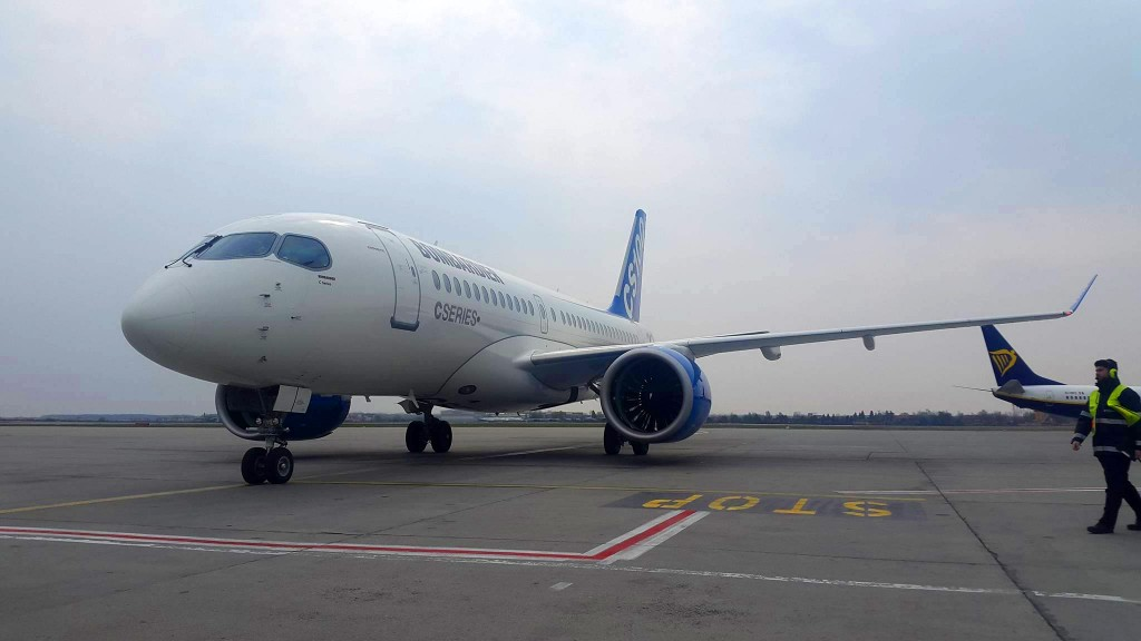 Bombardier-CS100-Aeroport-Otopeni-Bucuresti-4