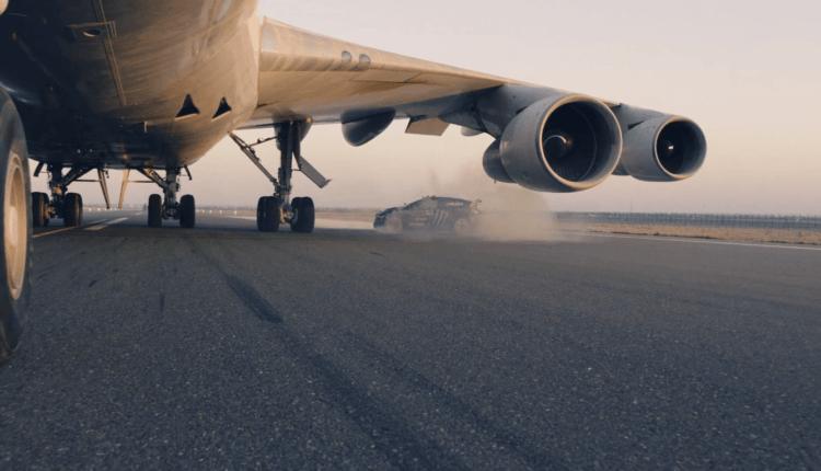 (Video) Ken Block se întoarce: Drifturi în jurul unui Boeing 747