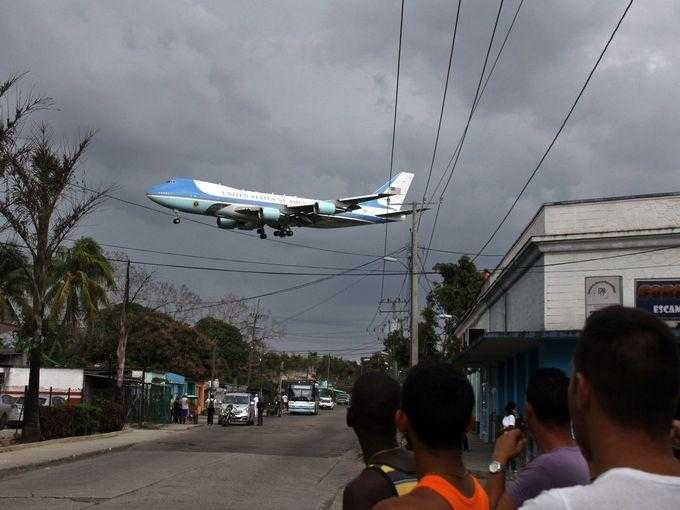 air-force-one-over-havana-1