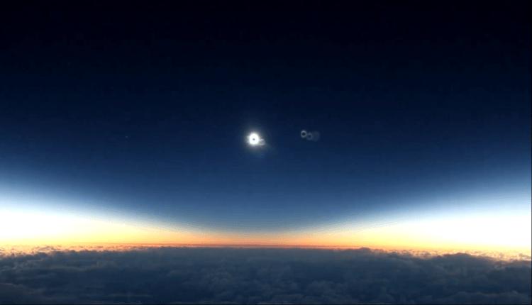 (Video) Eclipsa de soare văzută de la peste 10 000 metri, din zborul 870 Alaska Airlines