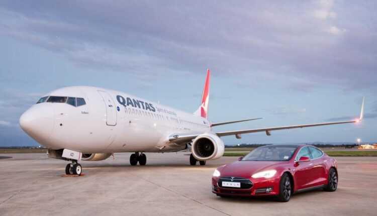 (Video) Boeing 737-800 Qantas vs. Tesla Model S P90D