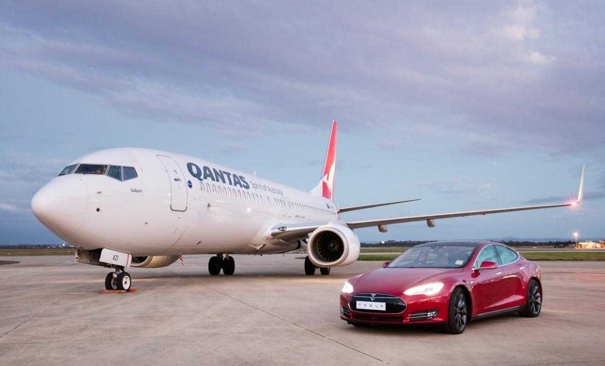 Boeing-737-Qantas-vs-Tesla-Model-S
