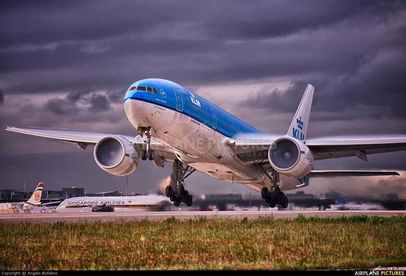 Boeing-777-200ER-KLM