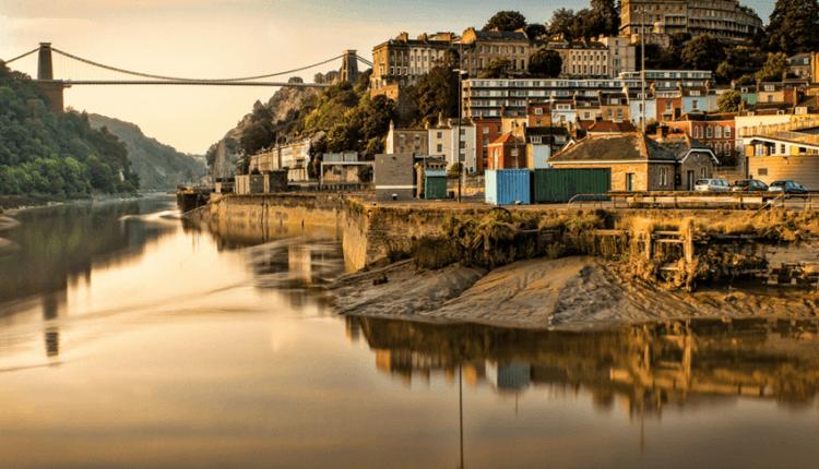 Bucureşti – Bristol cu Ryanair, din 9 noiembrie 2016