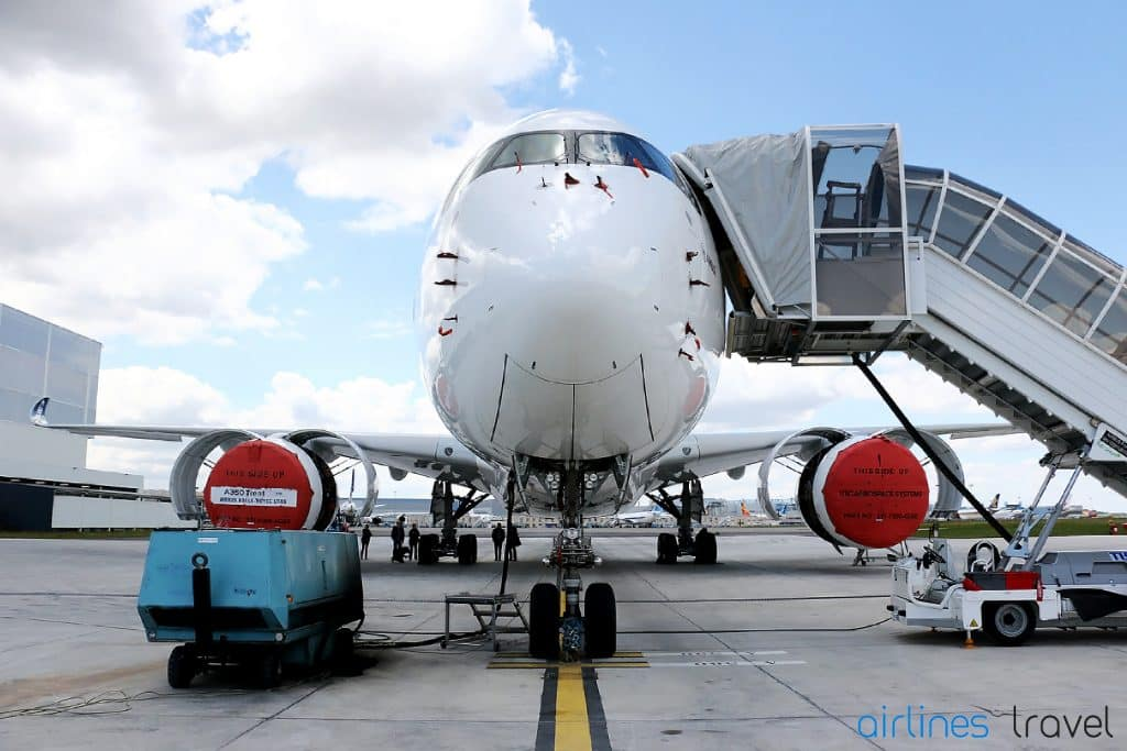 Airbus-A350-XWB-face-to-face