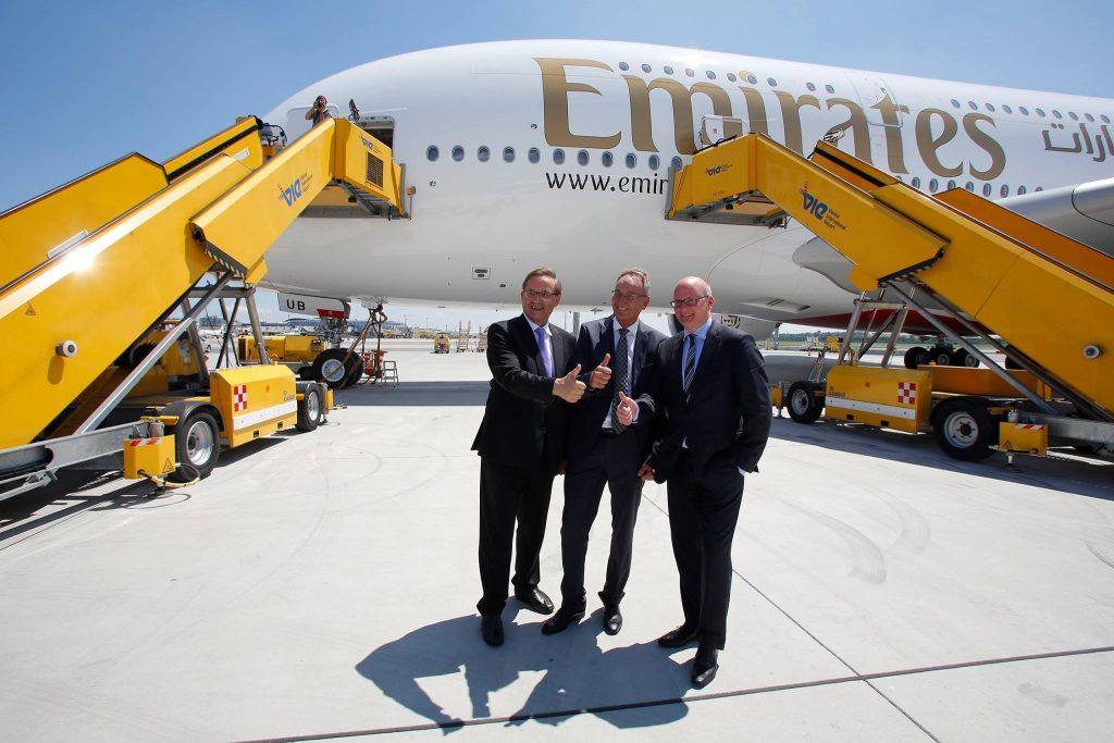 Airbus-A380-Emirates-Viena-1