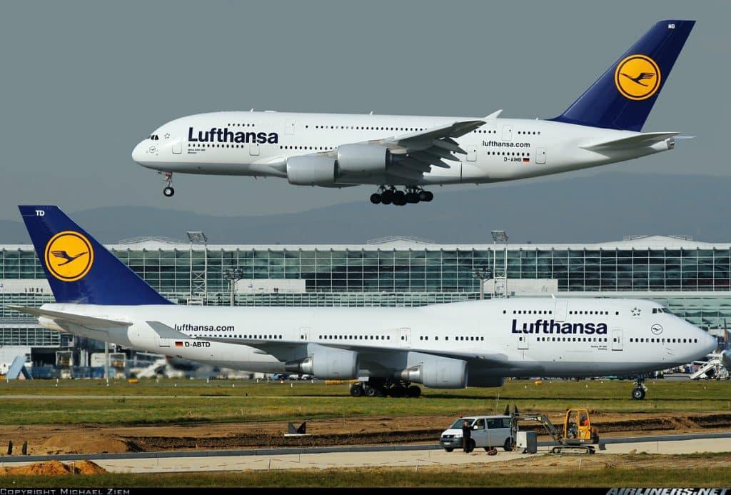 Boeing 747-vs-Airbus A380-Lufthansa