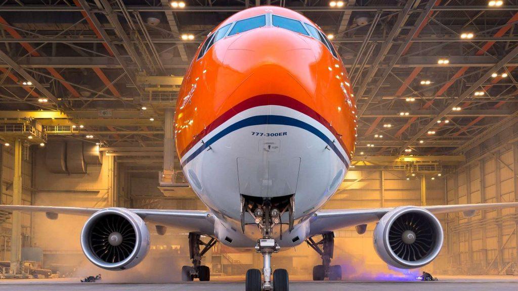Boeing-777ER 300-1-KLM-Orangepride