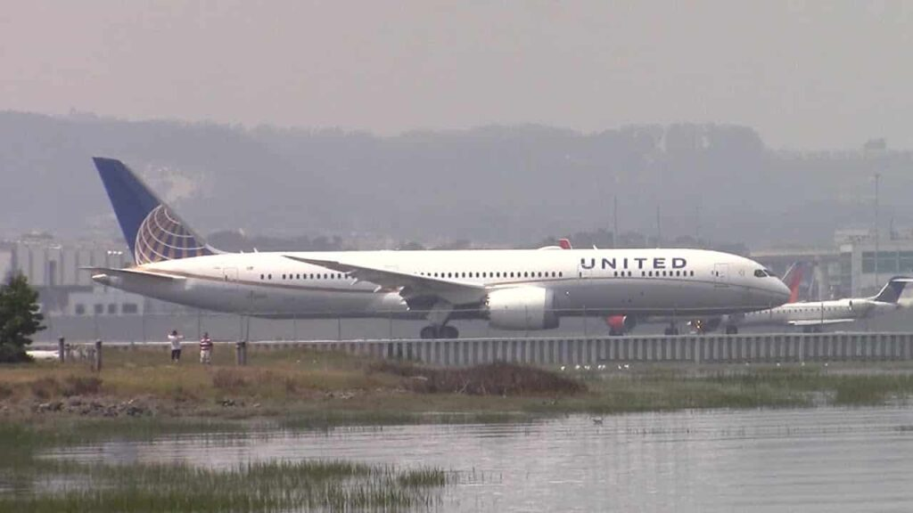 Boeing-787-9-United