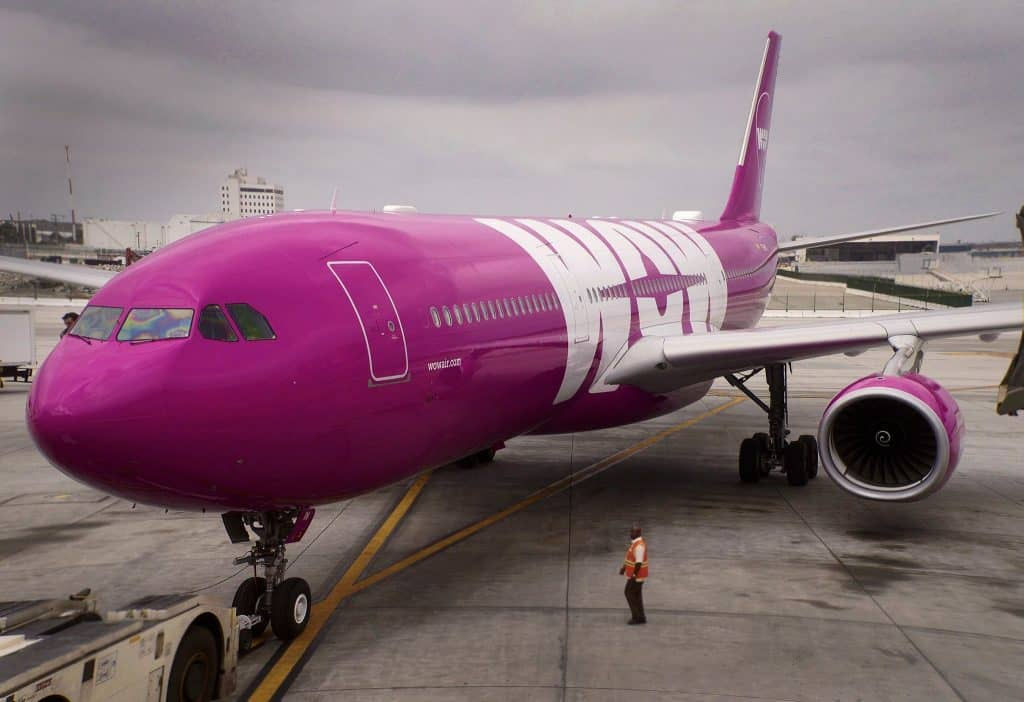 wow-air-los-angeles
