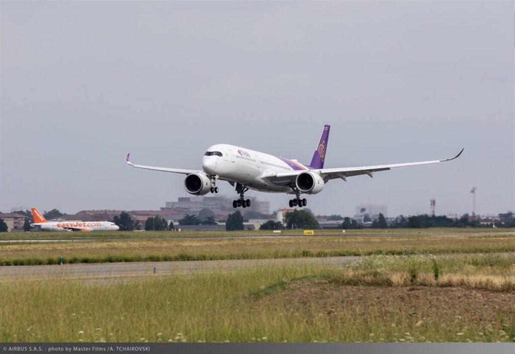 A350-XWB-THAI-primul-zbor-1