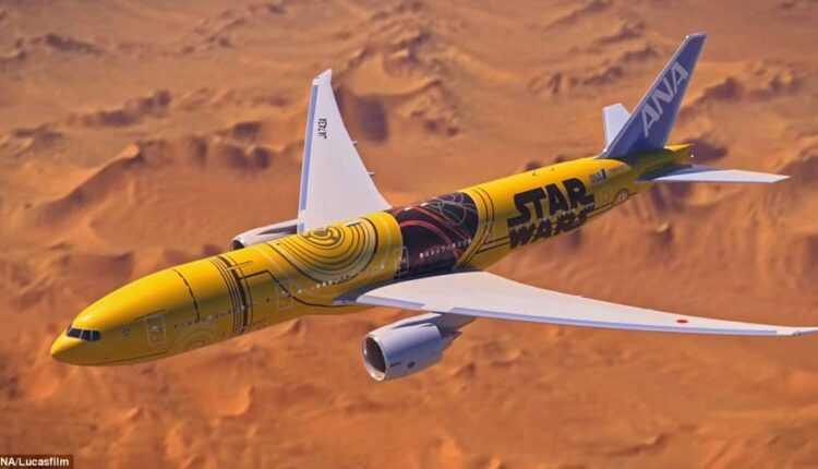 (Video) Boeing 777-200ER ANA Star Wars (C-3PO)