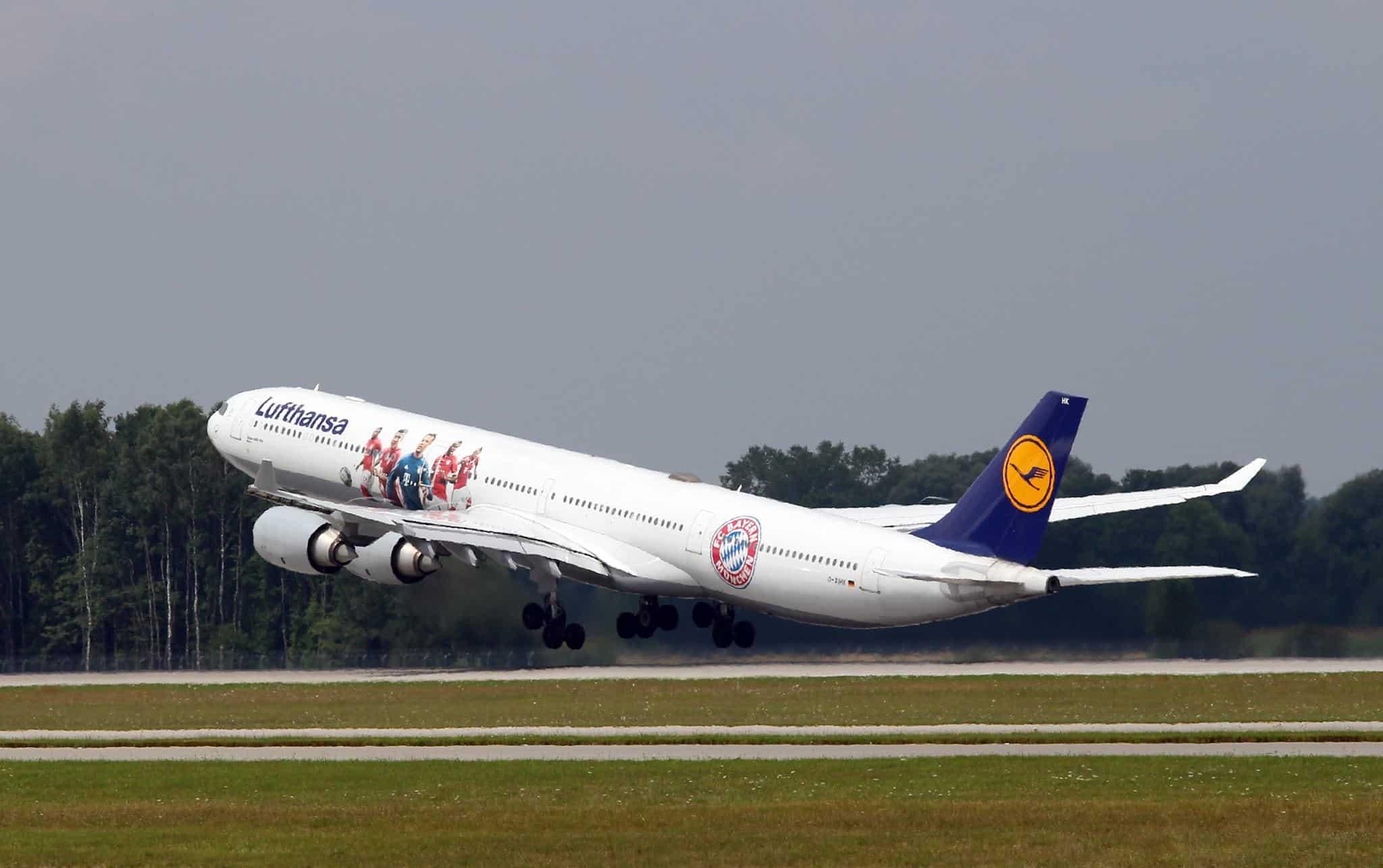 Airbus A340 600 Lufthansa Fc Bayern Munich