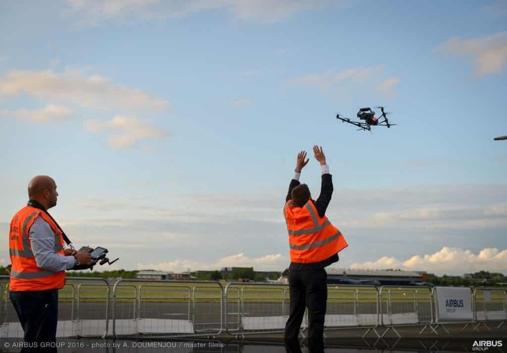 Aircam_filming_with_Airbus_drone_-_FIA_2016-120