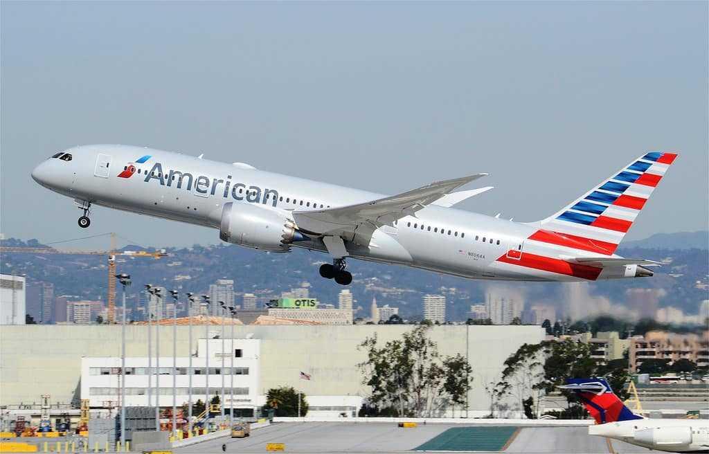 American-Airlines-nr1-trafic-pasageri-transportati