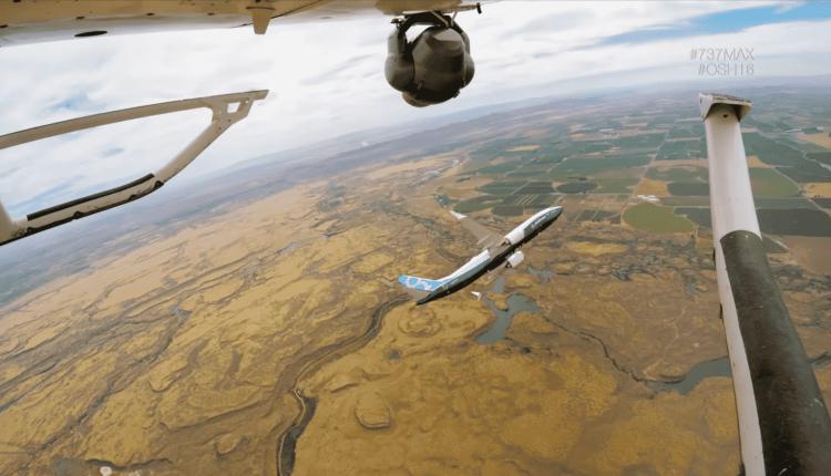 (Video) Boeing 737 MAX la OSH16