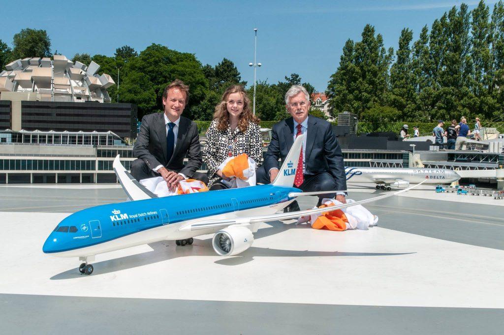 Boeing-787-Dreamliner-KLM-Madurodam-prezentarea