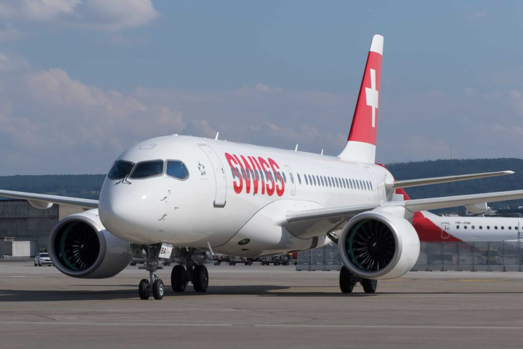 Bombardier-CS100-SWISS
