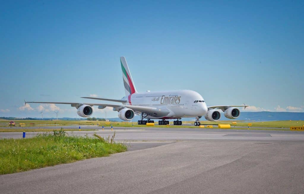 Emirates-A380-taxis-at-Vienna-airport