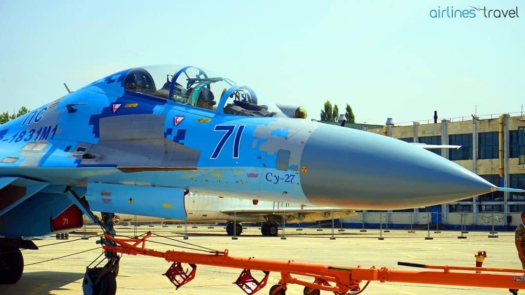 Sukhoi-SU-27-Flanker-Ucraina-frontal
