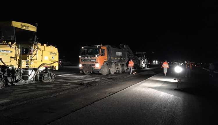 Lucrări pe timp de noapte la Aeroportul Henri Coandă